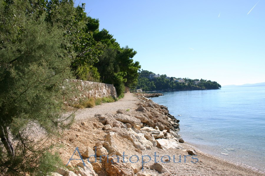 Nemira Strandweg nach        Balica Rat